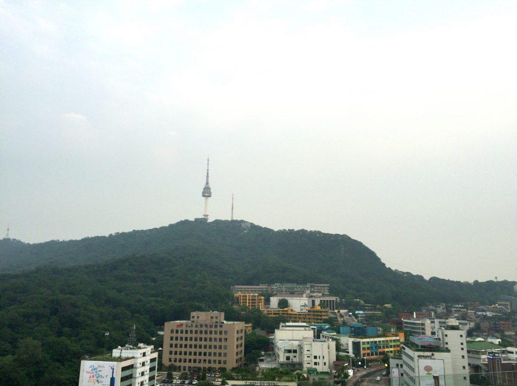 韓国ソウル旅行は、イビススタイルズのルーフトップバー