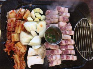 黒豚のサムギョプサル、済州アバン(チェジュアバン、제주아방)